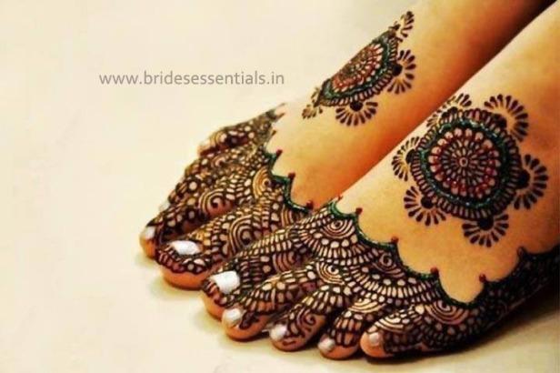 brides-essentials_feet-mehandi-designs-1