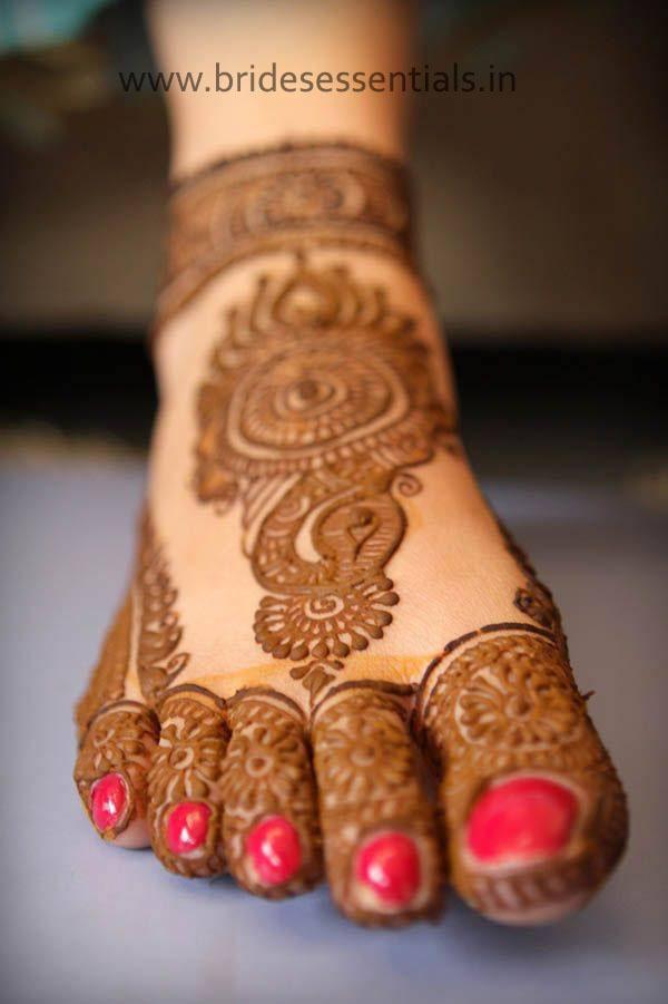 brides-essentials_feet-mehandi-designs-16