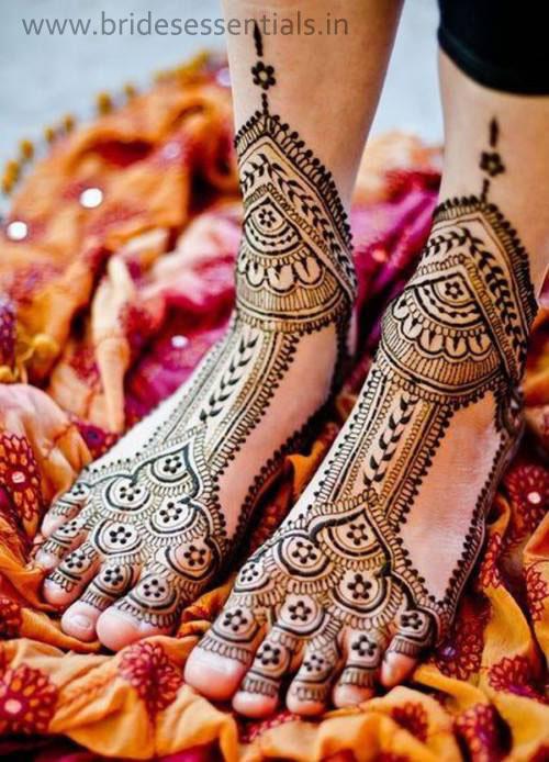 brides-essentials_feet-mehandi-designs-19