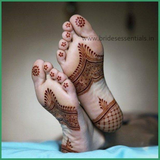 brides-essentials_feet-mehandi-designs-25