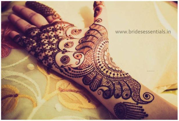 brides-essentials_feet-mehandi-designs-6