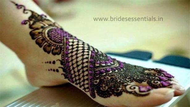 brides-essentials_feet-mehandi-designs-8