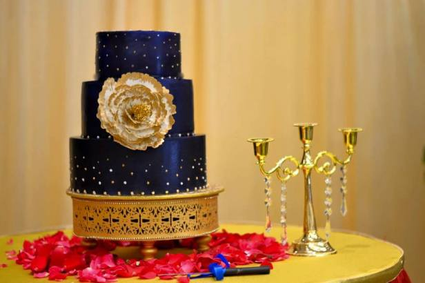 brides-essentials_wedding-cake-16