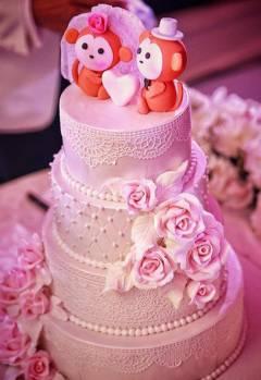 Bipasa Basu wedding cake
