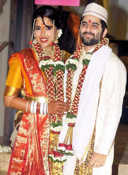 Sameera reddy on her wedding day