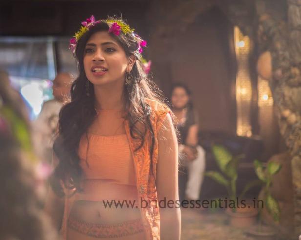 brides-essentials_bride_in_tiara-14