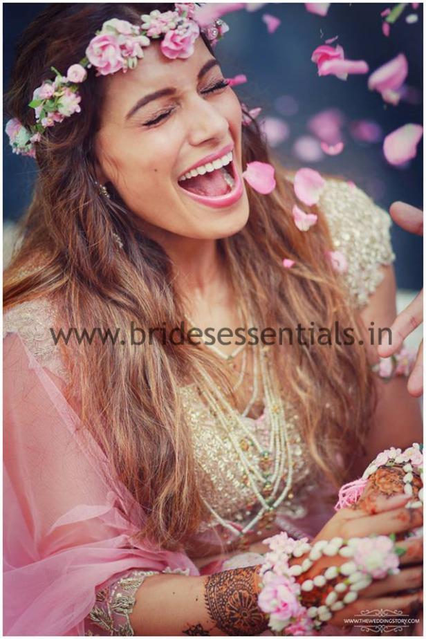 brides-essentials_bride_in_tiara-5