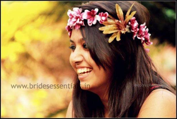 brides-essentials_bride_in_tiara-7