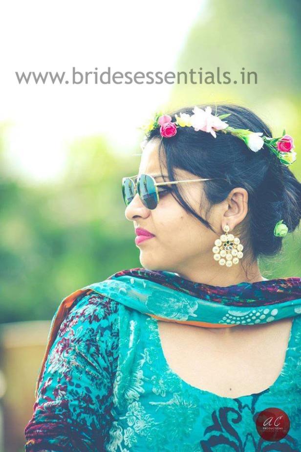 brides-essentials_bride_in_tiara-9