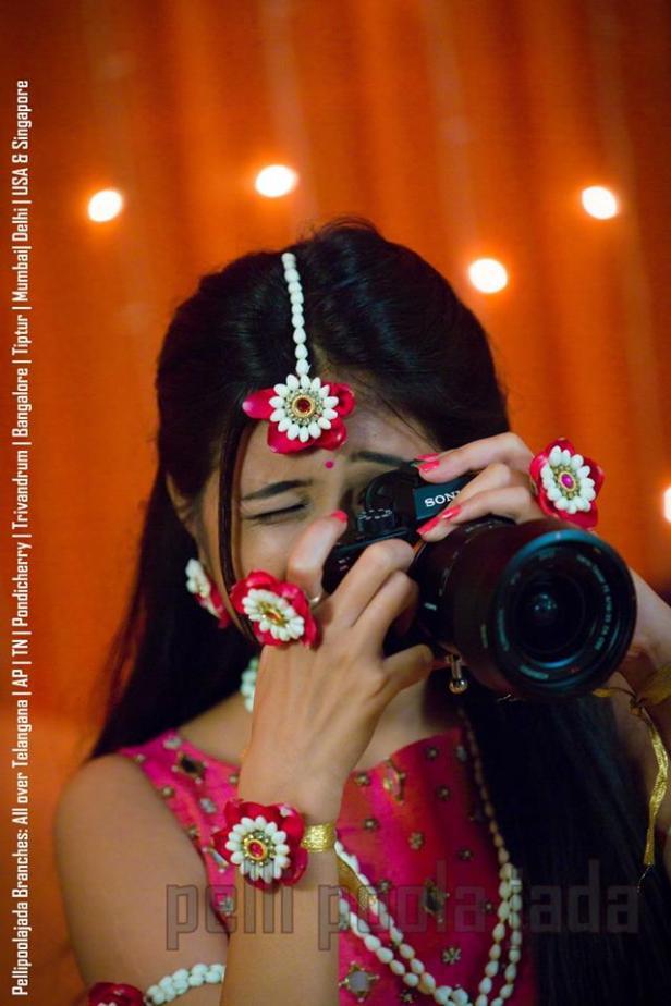 flower jewellery for a cute bride