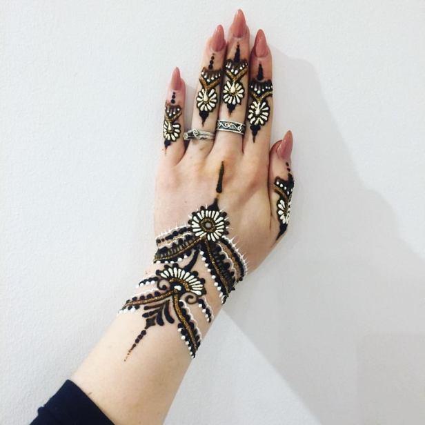 white-henna_brides-essentials14