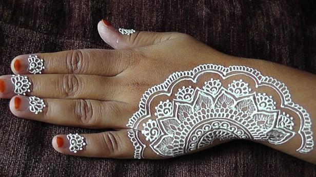 white-henna_brides-essentials5