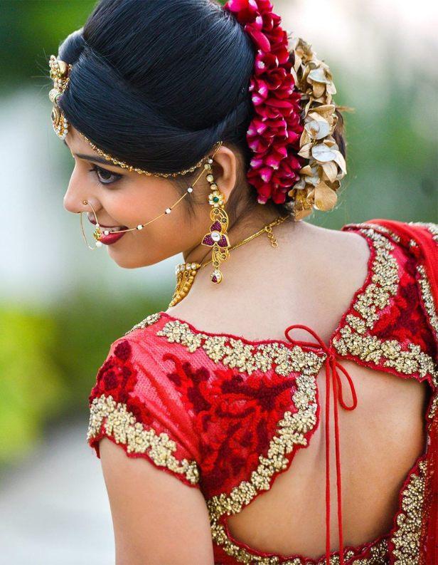 brides-essentials_red-saree_pellipoolajada_hairstyle_indianbride-jpg3