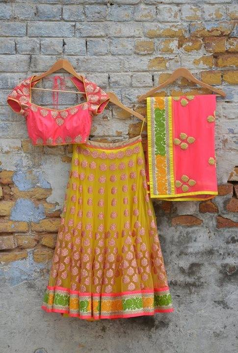 lehenga_brides-essentials_1