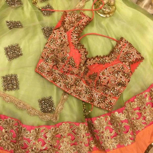 lehenga_brides-essentials_11