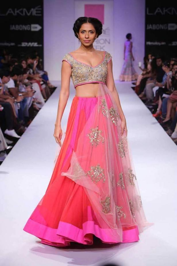 lehenga_brides-essentials_14