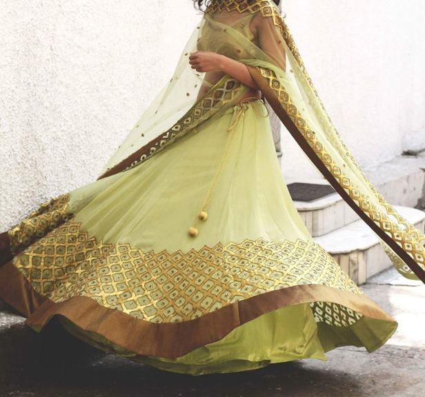 lehenga_brides-essentials_17