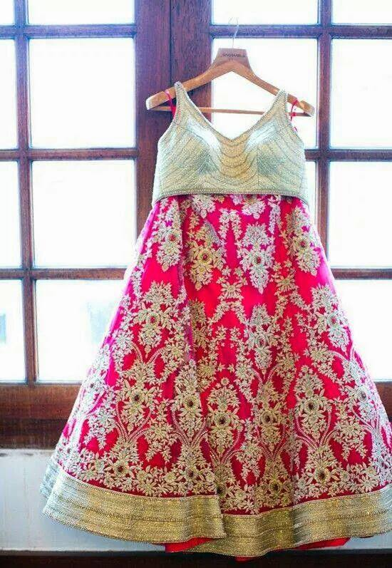 lehenga_brides-essentials_25