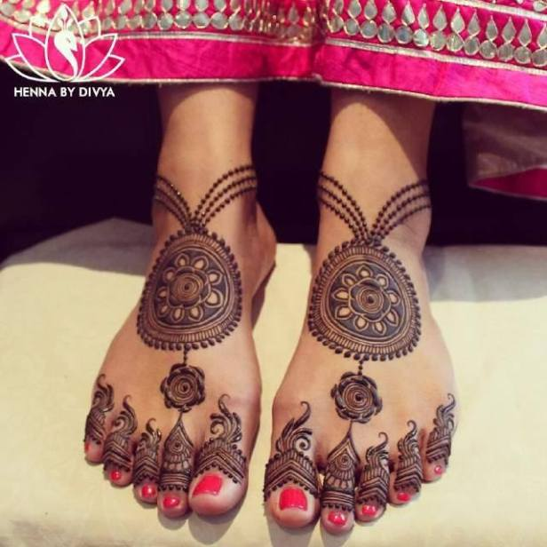 Ankle Mehendi Styles To Experiment