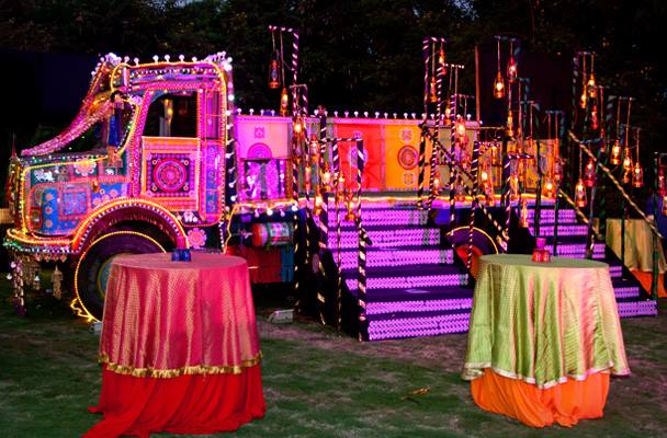 Cool Food Trucks Ideas for your Wedding.