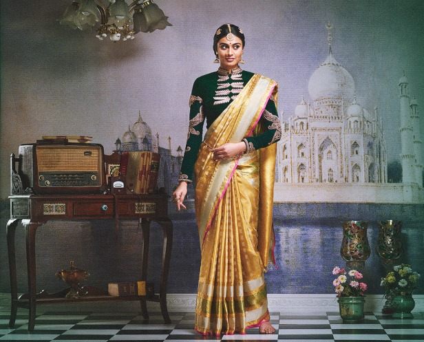 varamahalakshmi-silks_-brides-essentials
