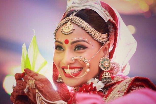 bipasha-basu-karan-singh-grover-_brides-essentials_5