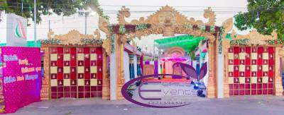 Wedding Entrance Decoration Ideas.First impressions are so important, especially when it comes to making the grand entrance on your wedding day!
