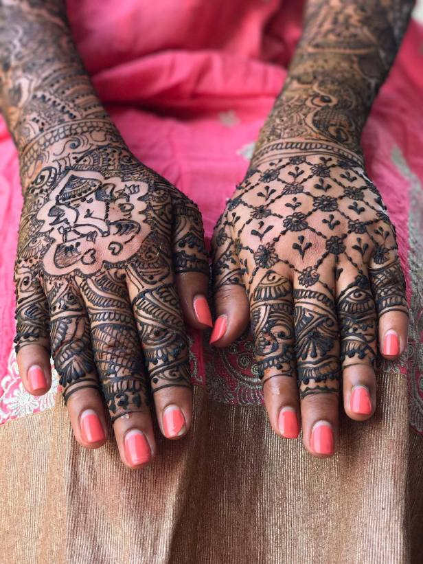 Forever Love For Vintage Jaali Mehendi Design!