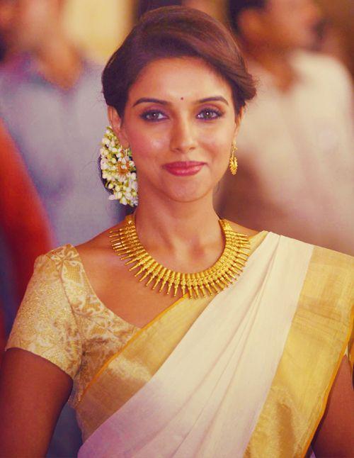 Asin in a traditional Kerala Saree