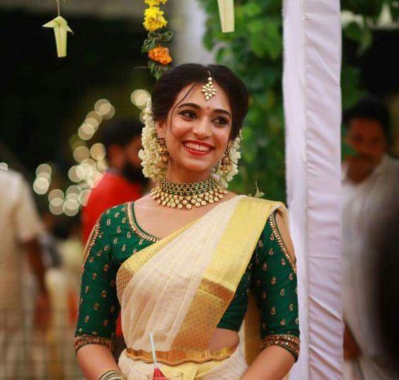 Beautifully styles Kerala Mundu set