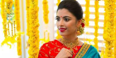 Temple jewelry by Bandhan for BE_realbride shoot