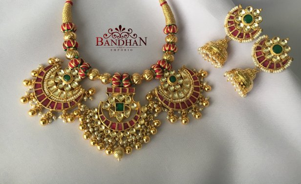 Exclusive Kundan set from Bandhan Emperio