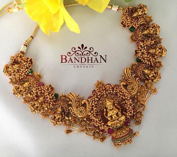 Bridal necklace in matte gold from Bandhan